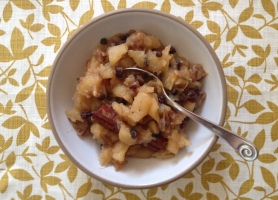 Date Apple Chutney